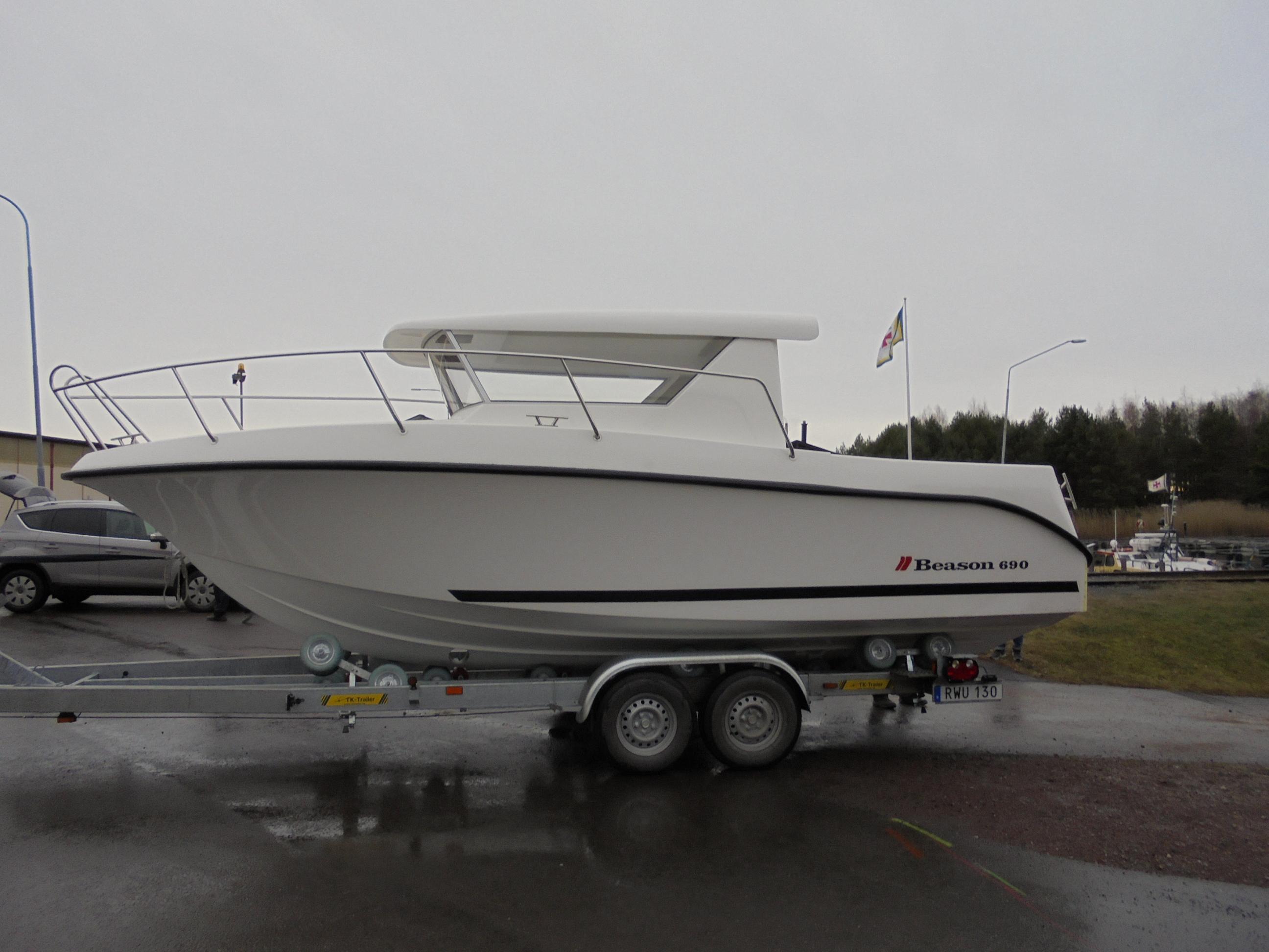 beason-690-pilot_trailer